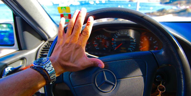 el volante vibra