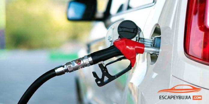 como se conduce un coche de gasolina