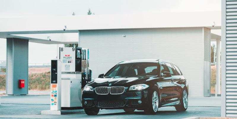 Trucos que te ayudarán a saber como conducir un coche de gasolina