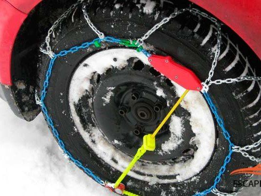 como colocar cadenas para nieve en camionetas