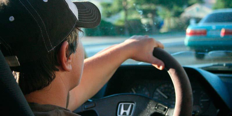 ejemplos malos habitos al conducir