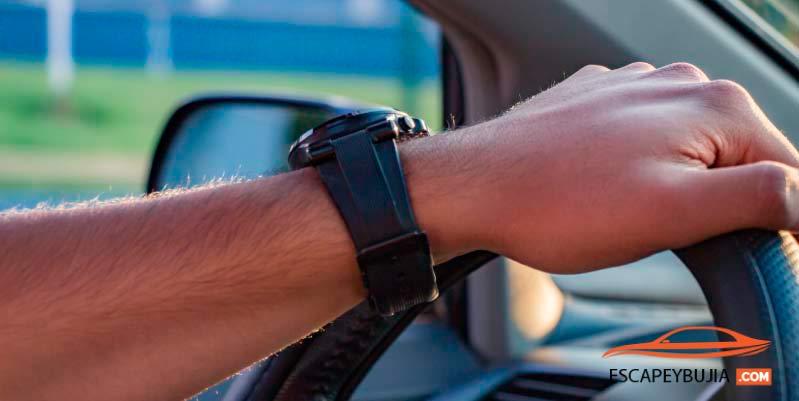5 malos hábitos al conducir que todos debemos evitar