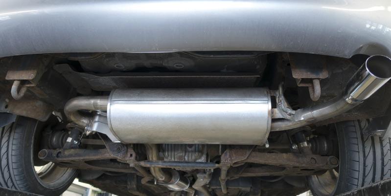 ¿Cómo detectar el problema y cómo evitar la retroalimentación diesel en pleno camino?